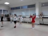 репетиция танца ладушки..к новому году